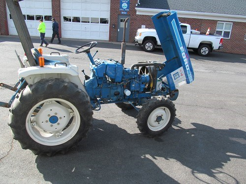 Ford 1710 Loader : Ford compact tractor for auction municibid
