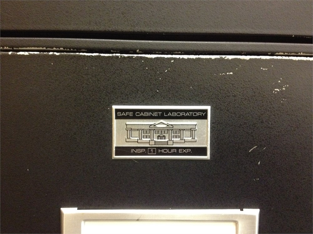 Online Government Auctions Of Government Surplus Municibid - Safe cabinet laboratory