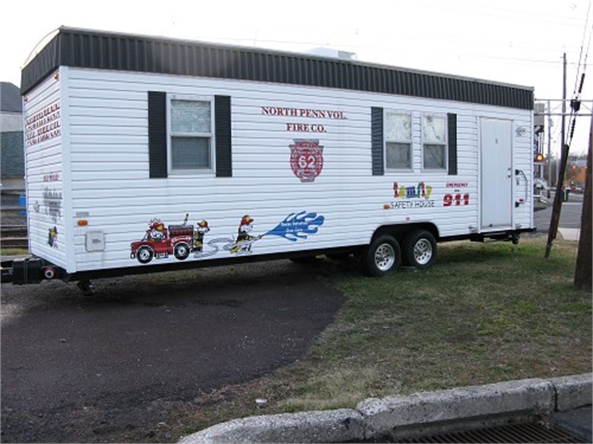 Mobile concepts by scotty fire safety house for auction for Fire safety house