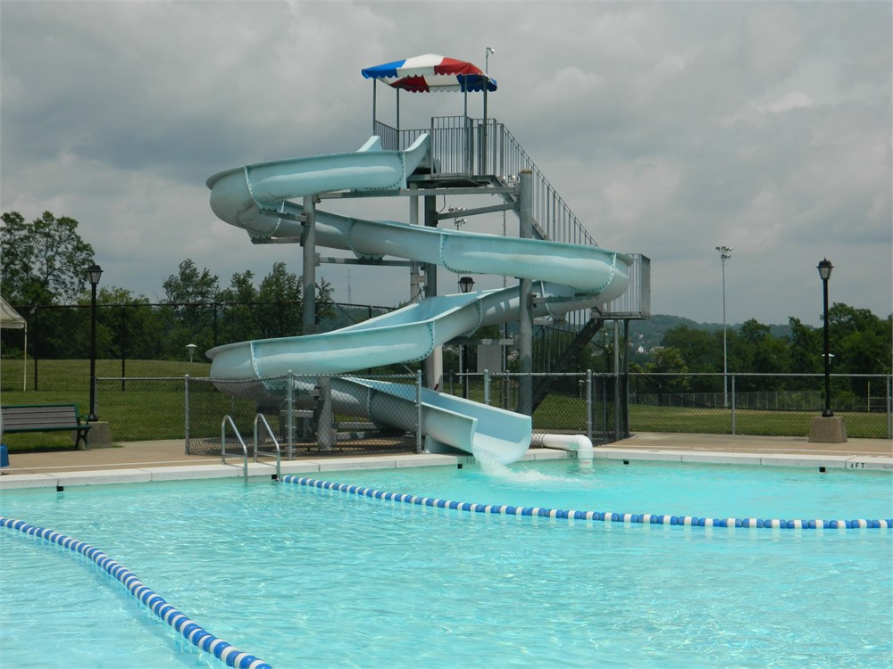 Commercial swimming pool slide for auction municibid for Commercial swimming pool