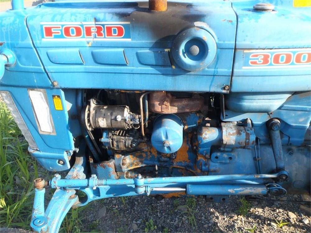Ford 3000 Gas : Ford gas tractor for auction municibid