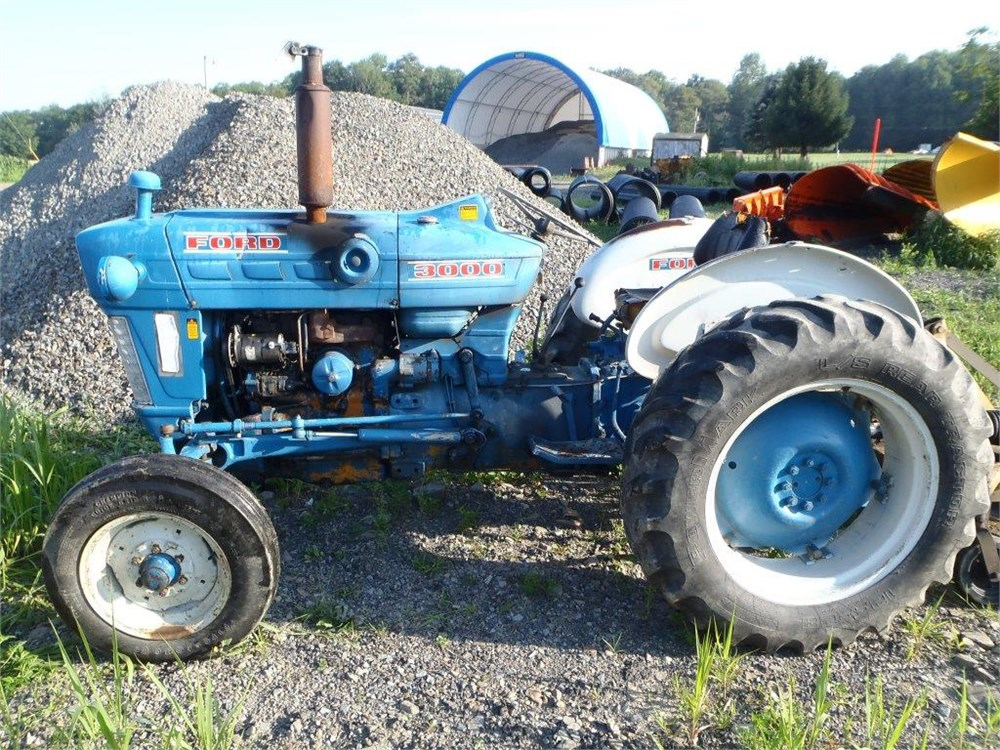 1968 Ford 2000 Diesel Tractor : Ford gas tractor pictures to pin on pinterest daddy