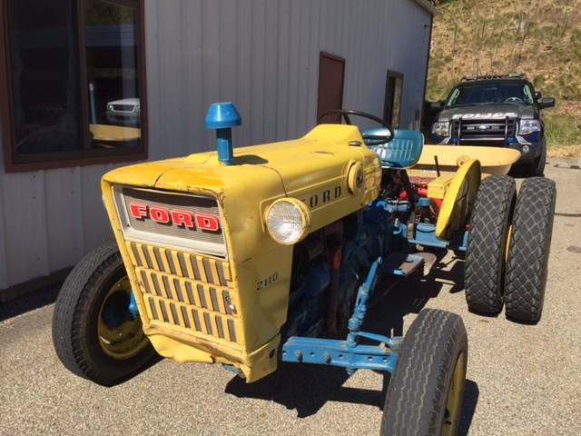 Ford 2110 Tractor : Ford tractor for auction municibid
