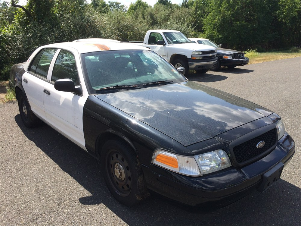 2008 ford crown victoria for auction municibid. Black Bedroom Furniture Sets. Home Design Ideas