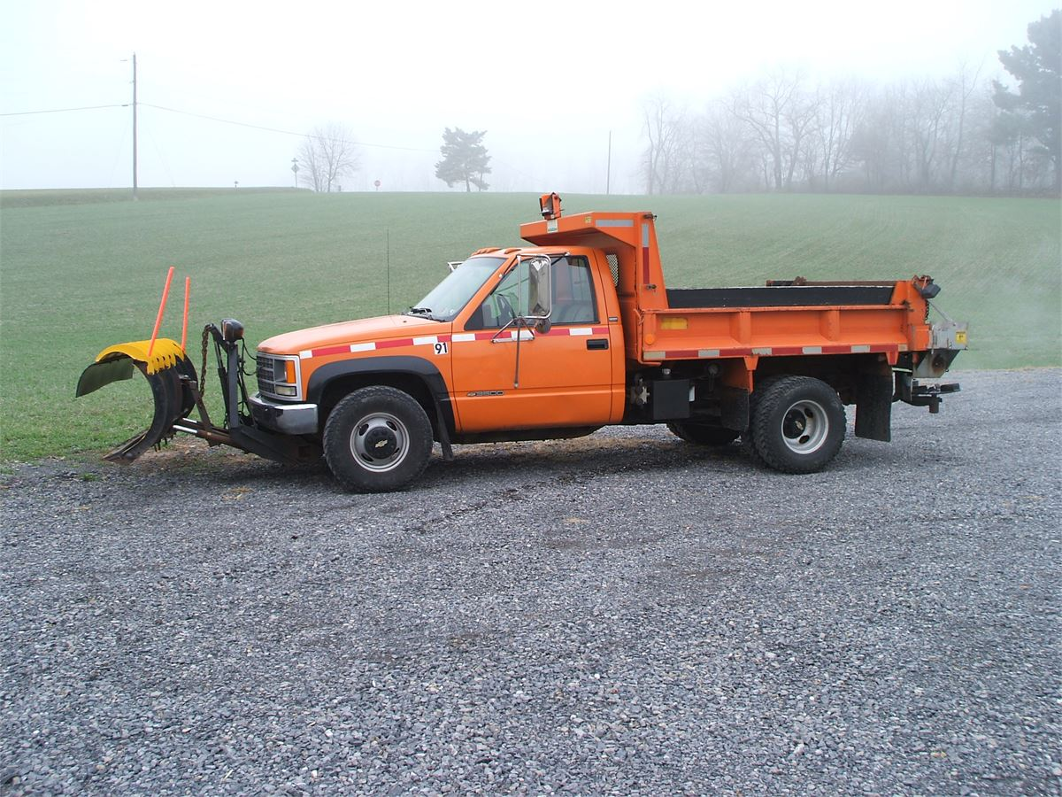 All Chevy 1991 chevy 3500 : 1991 Chevy 3500 Dump with plow & spreader for Auction | Municibid