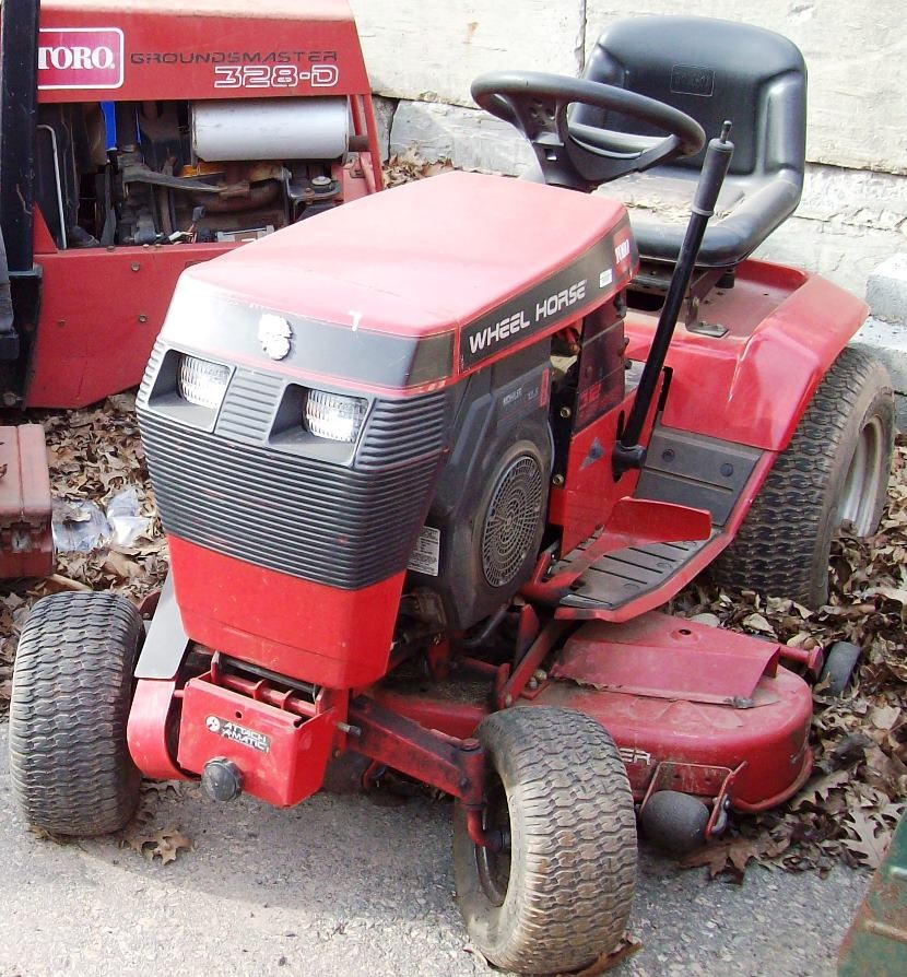 Wheel Horse Tractor Engines : Toro wheel horse model lawn tractor with
