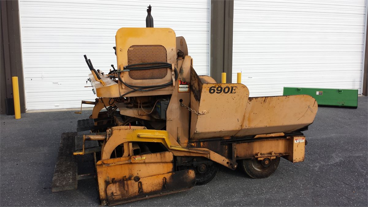 Mauldin Asphalt Paver Model 690E Online Government Auctions