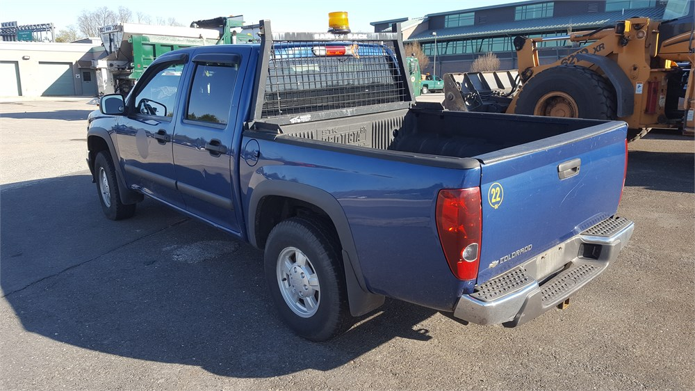 Four Wheel Drive Taxi : Chevrolet colorado extended cab four wheel drive