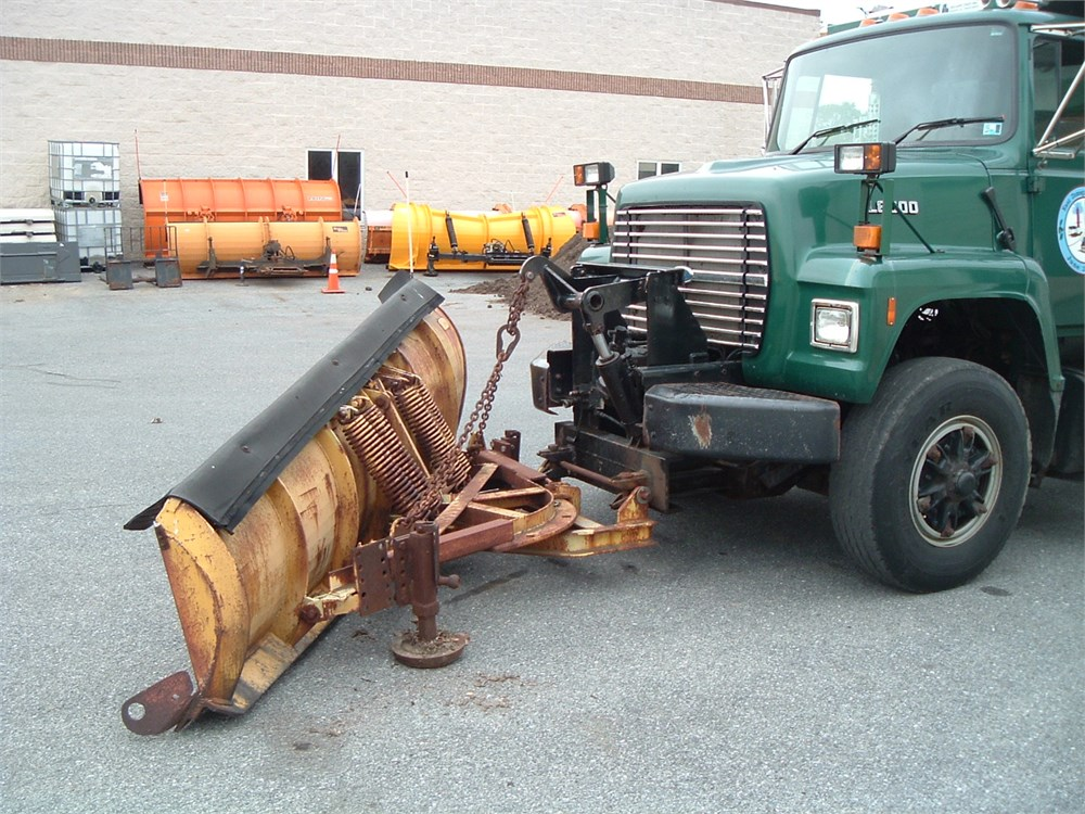 Ford 4000 Plow : Ford l dump truck with plow spreader and