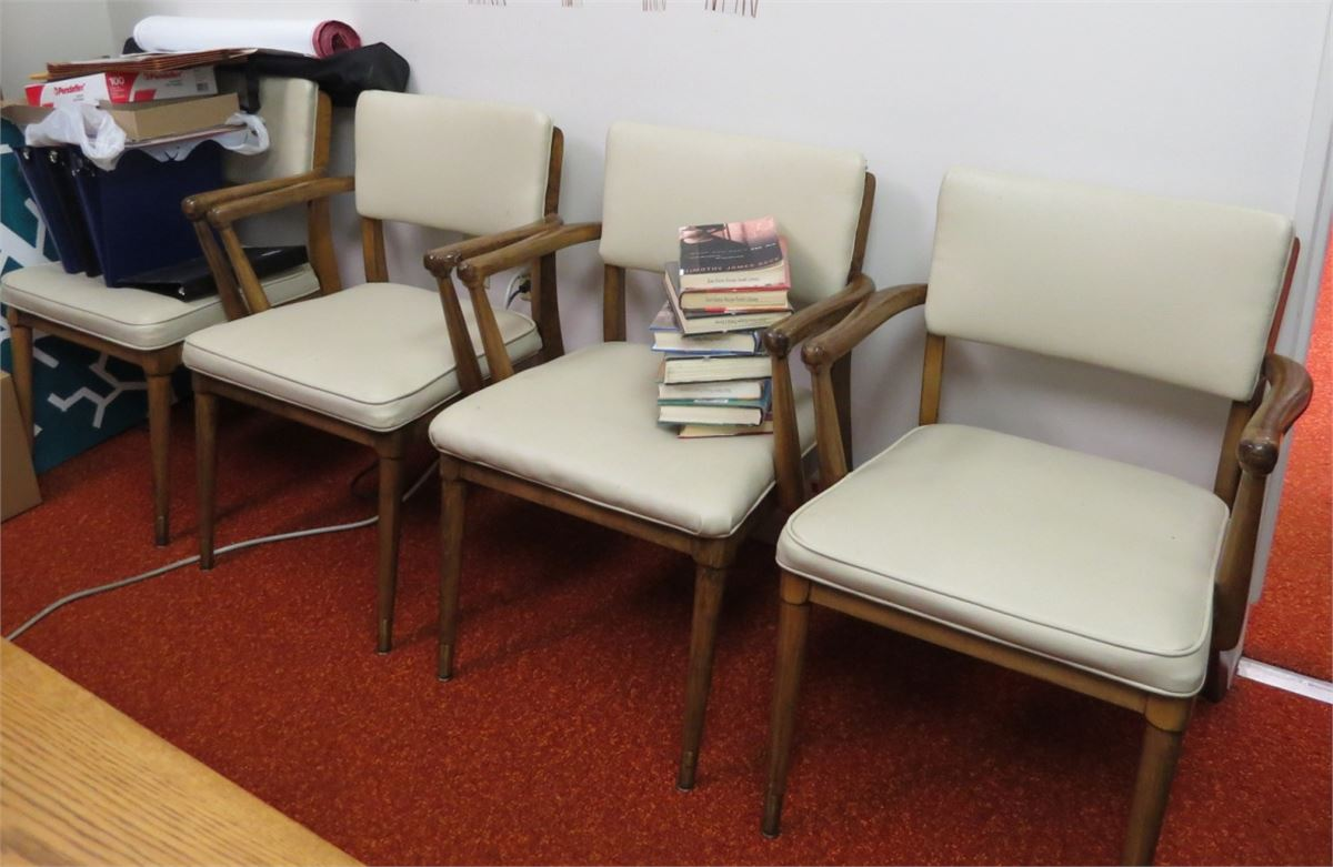 Cream Leather Office Chairs 7 For Auction Municibid