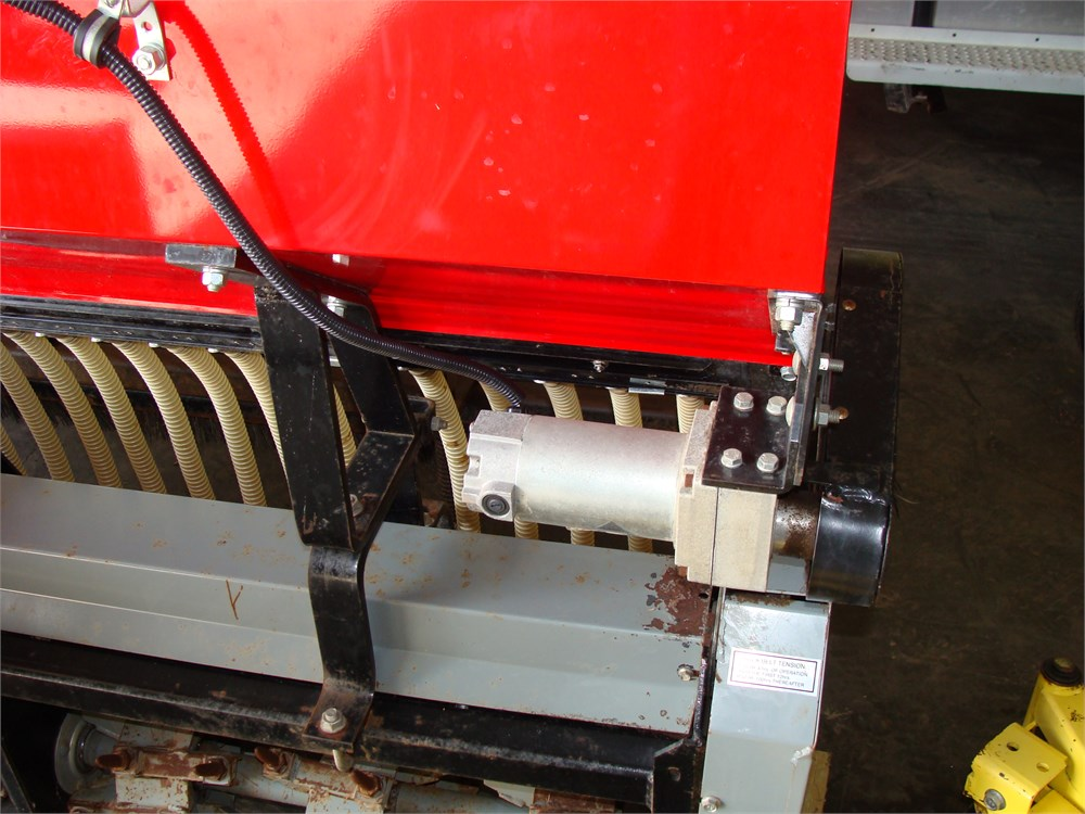 GANDY model 400A-7FP Field Aerator Seeder First Products Online
