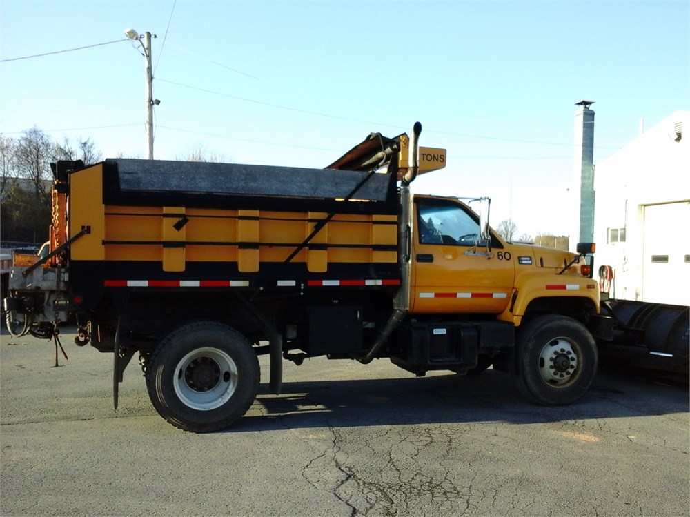 1999 GMC C8500 Dump Truck With Spreader And 11 Power Angle Plow