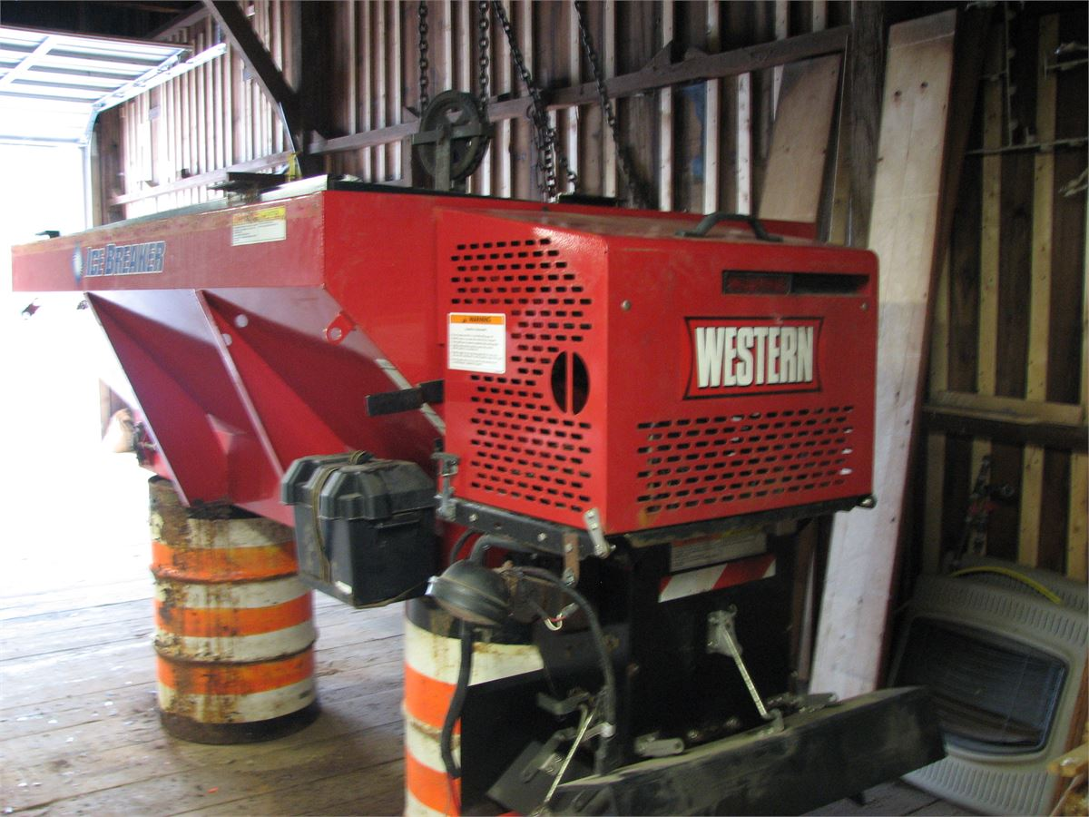 2008 Western Ice Breaker Hopper Spreader Online Government Auctions Of Government Surplus