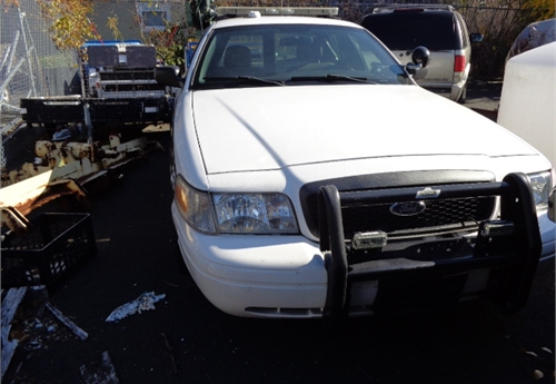 Government Car Auctions >> 2010 Crown Victoria Police Interceptor with lettering, lights and striping Online Government ...