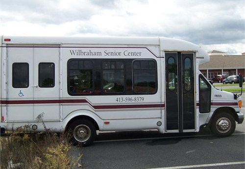 2003 ford 14 passenger wheelchair lift van online government auctions of government surplus. Black Bedroom Furniture Sets. Home Design Ideas