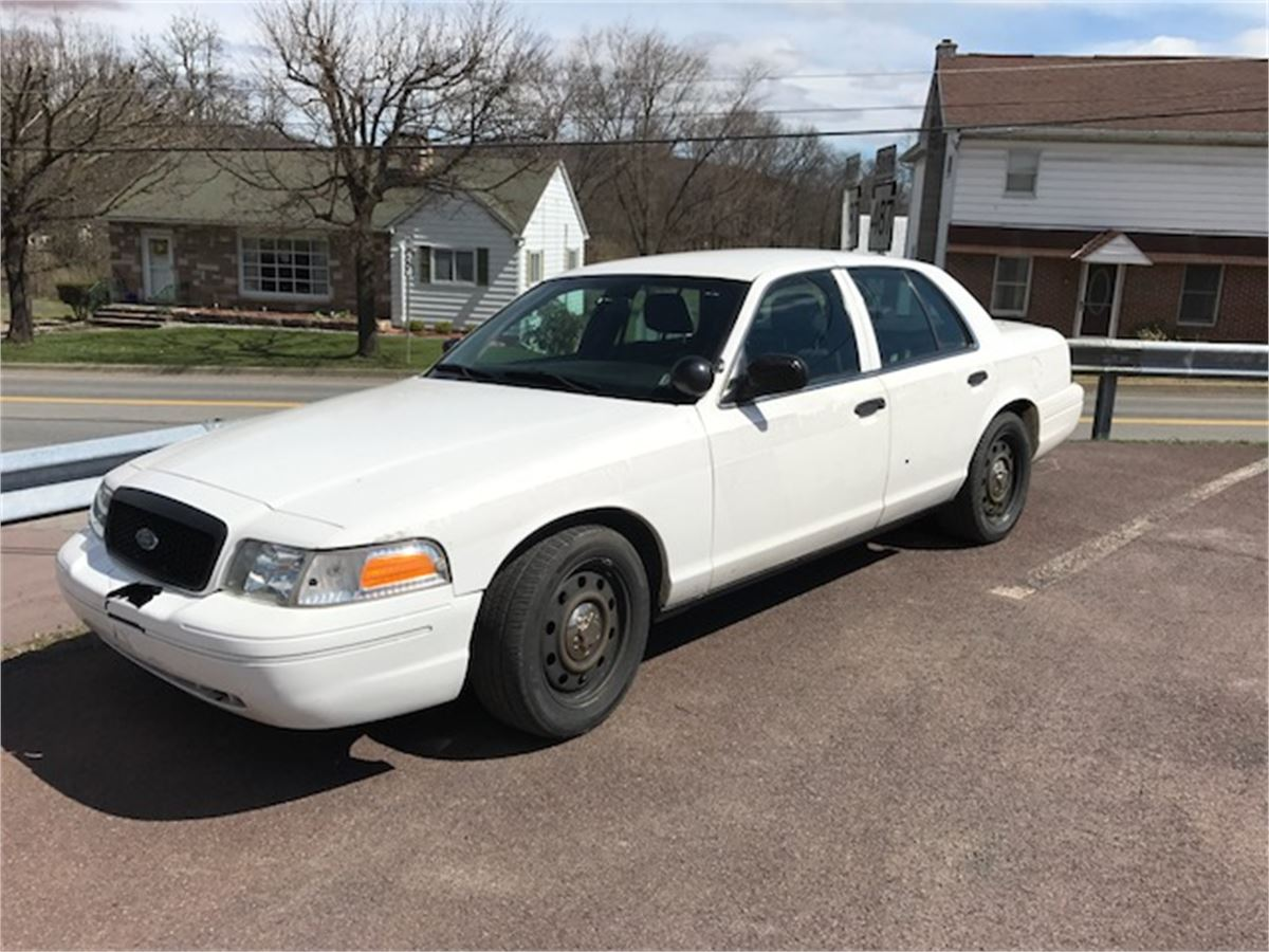 2010 ford crown victoria retired police car online. Black Bedroom Furniture Sets. Home Design Ideas
