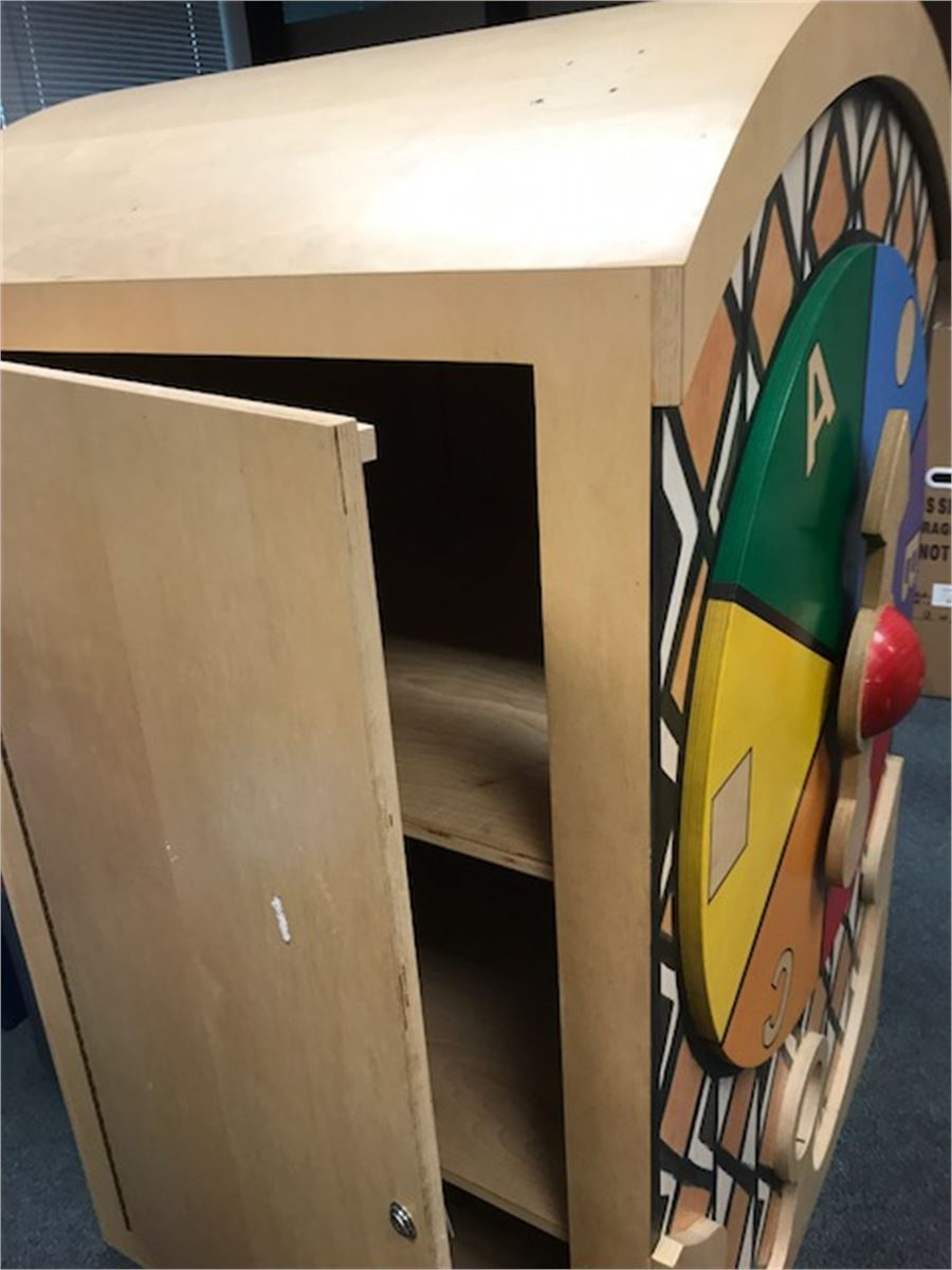 Large cabinet for auction municibid for Auctions for kitchen cabinets