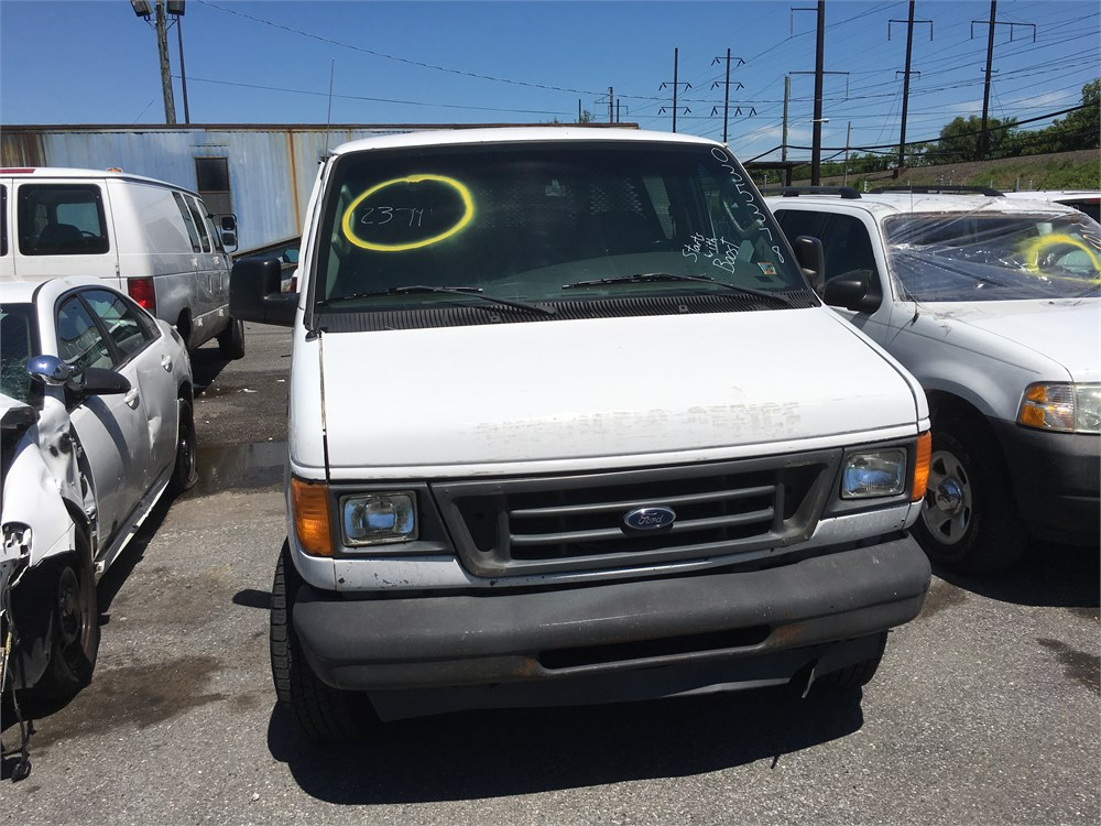 2003 ford e 350 xl diesel super duty van rwd lot2371 035378 for auction municibid. Black Bedroom Furniture Sets. Home Design Ideas