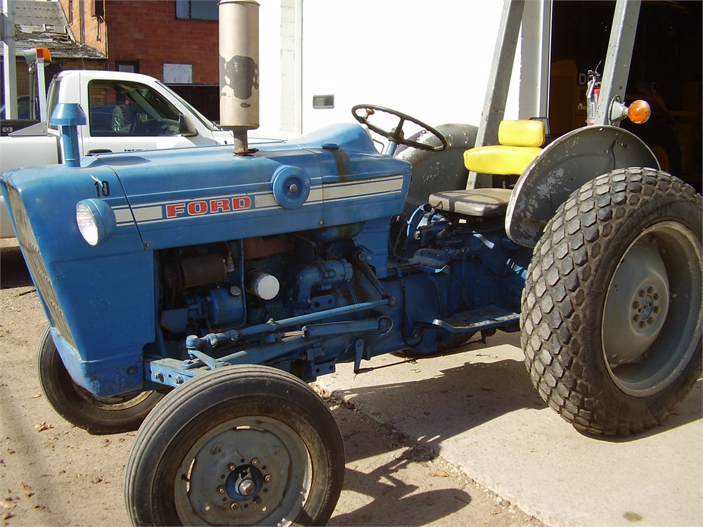 Ford 2000 Tractor Pto : Ford tractor for auction municibid