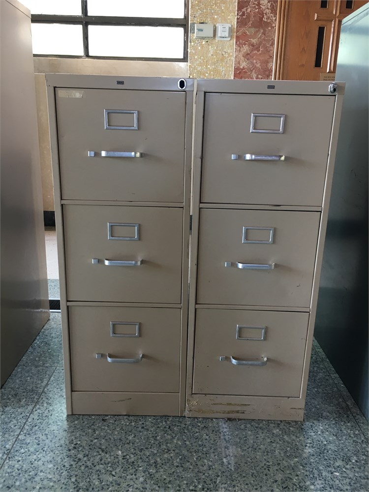 File cabinets set of 2 for auction municibid for Auctions kitchen cabinets