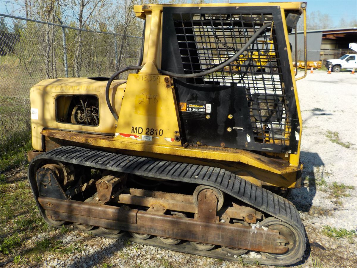 2001 CAT ASV MD 2810 Track Loader with Clam Bucket / LOT 248
