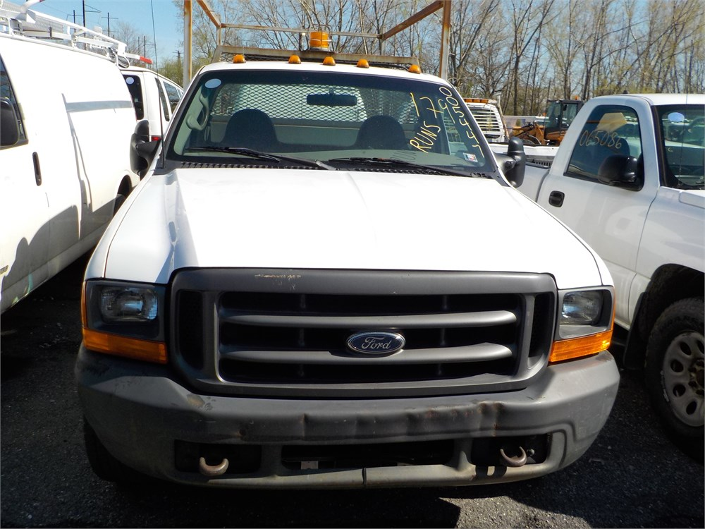 2000 ford f 350 xl sd pickup with utility bed 4x2 2 door lot 179 005447 online government. Black Bedroom Furniture Sets. Home Design Ideas