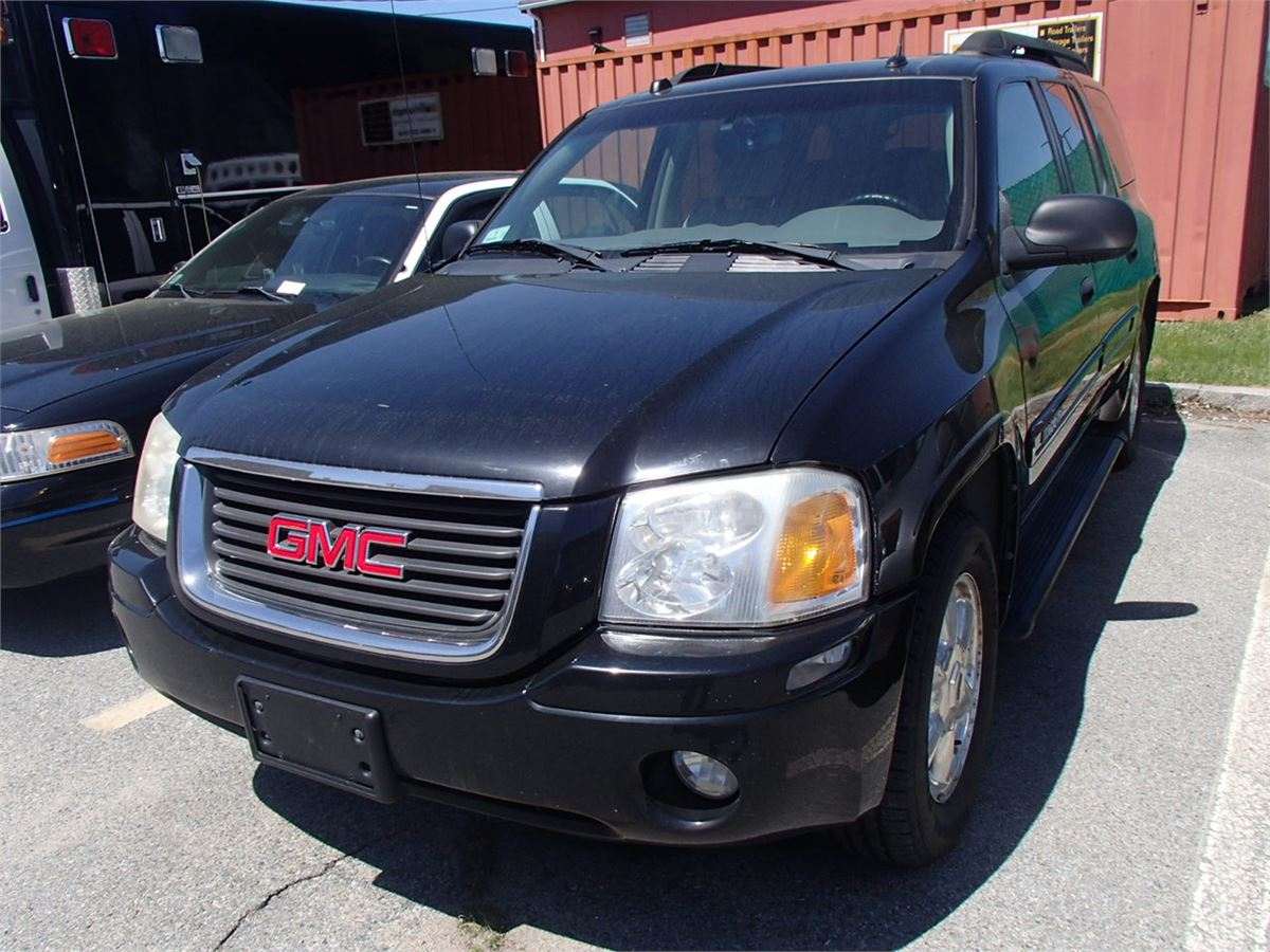 2005 GMC Envoy Gold For Auction