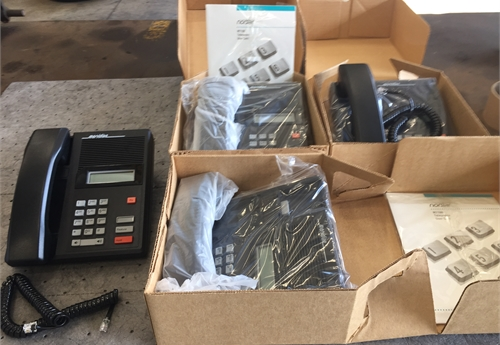 Northern Telecom Norstar M7100 phones Lot 2
