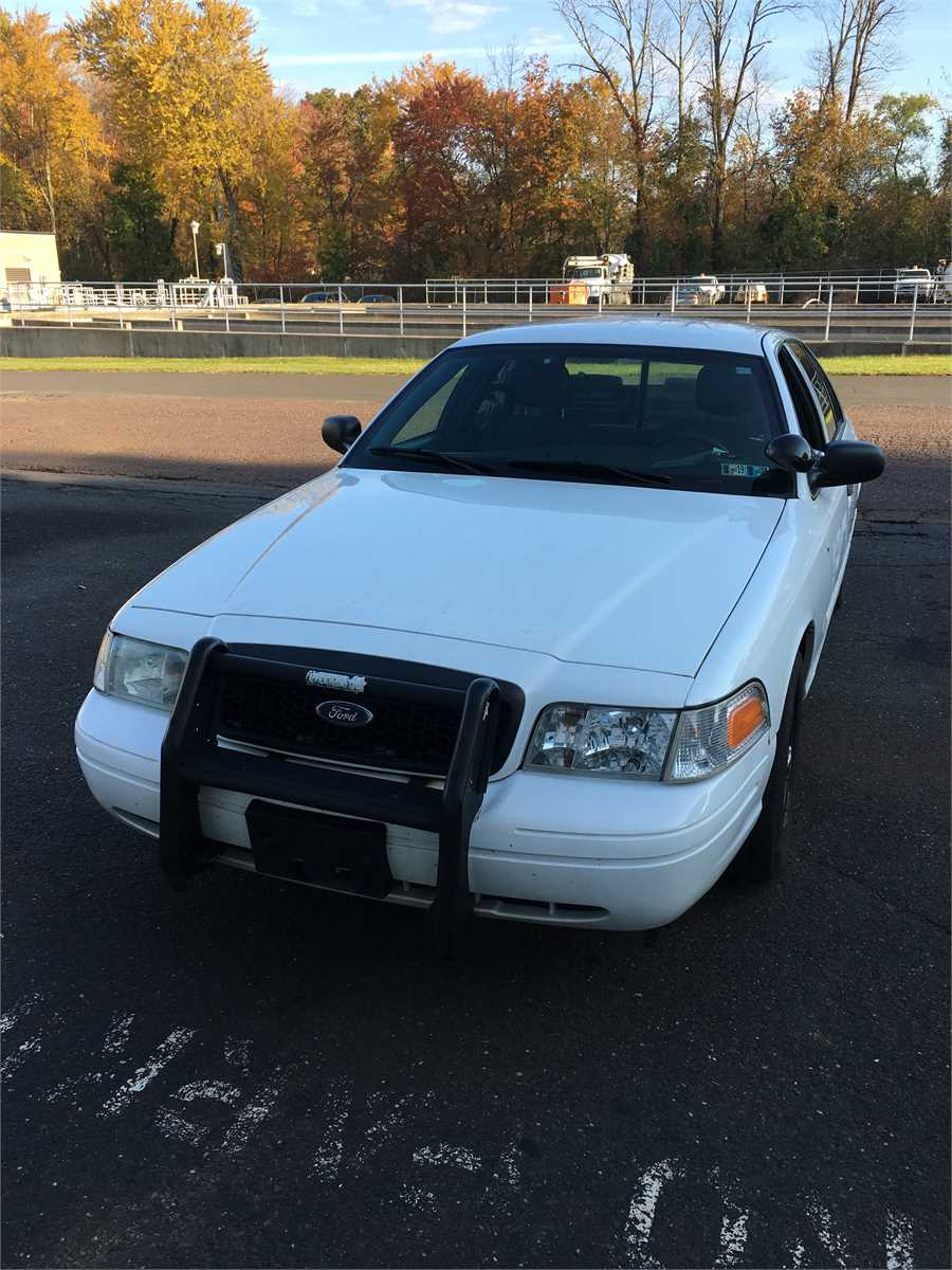 2010 ford crown victoria 28 7 online government auctions. Black Bedroom Furniture Sets. Home Design Ideas