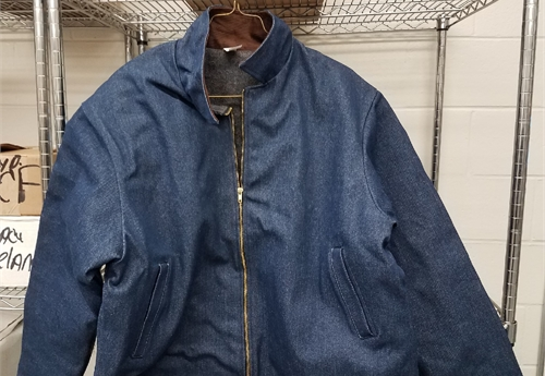 (310-NEW) DENIM JACKETS LARGE / LOT 38-23-C