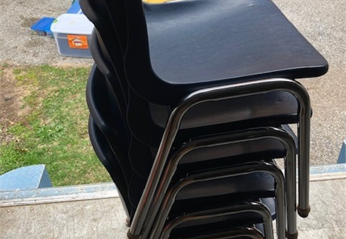 Elementary size chairs, sold as a lot