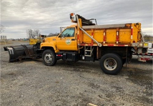2001 GMC C7500 Single Dump Truck with snow plow & spreader