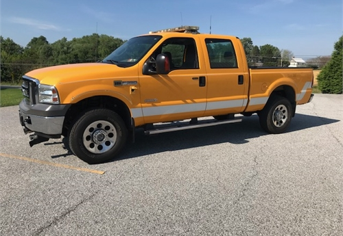2005 Ford F-350 Super Duty 4x4 with snow plow