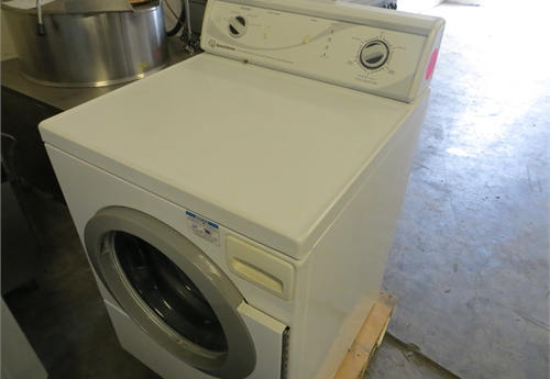 #1997 18# Alliance Front Load Washing Machine-UNKNOWN if it works