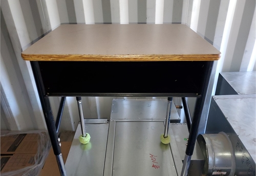 Elementary School Desks- Qty 10 desks (1 of 4)
