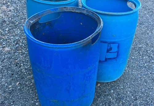 Plastic 55 gallon drums/barrels (set of 3 BLUE)
