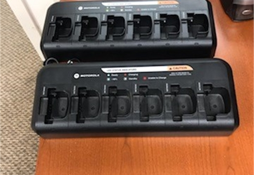 Motorola NNTN8460 Six-Unit (2 chargers in each lot) LOT 1 OF 15