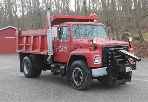 1984 International Dump Truck S1900 with 11' Plow & SS Spreader