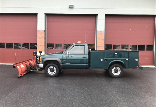 2000 GMC SL 2500 4x4, With 8' Western Snowplow