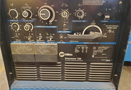 Miller Syncrowave 250  CC AC/DC    T.I.G. Welder Power source