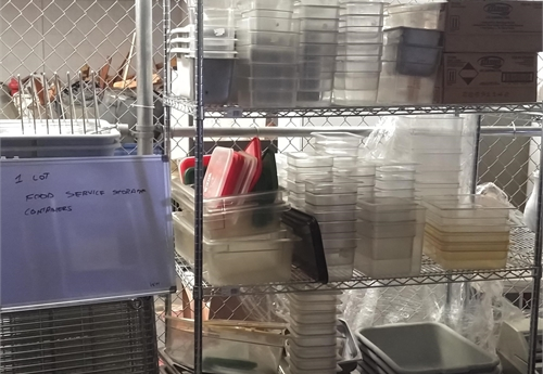One lot of Various Food Containers for Food Service Prep -DSS2455